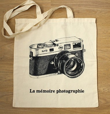 Tote Bag with Camera Design